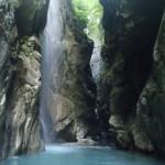 le canyon du giffre en haute Savoie ,est idéal pour un séjour canyoning sportif avec ses sauts et ses toboggans,sierra de guara,canyon