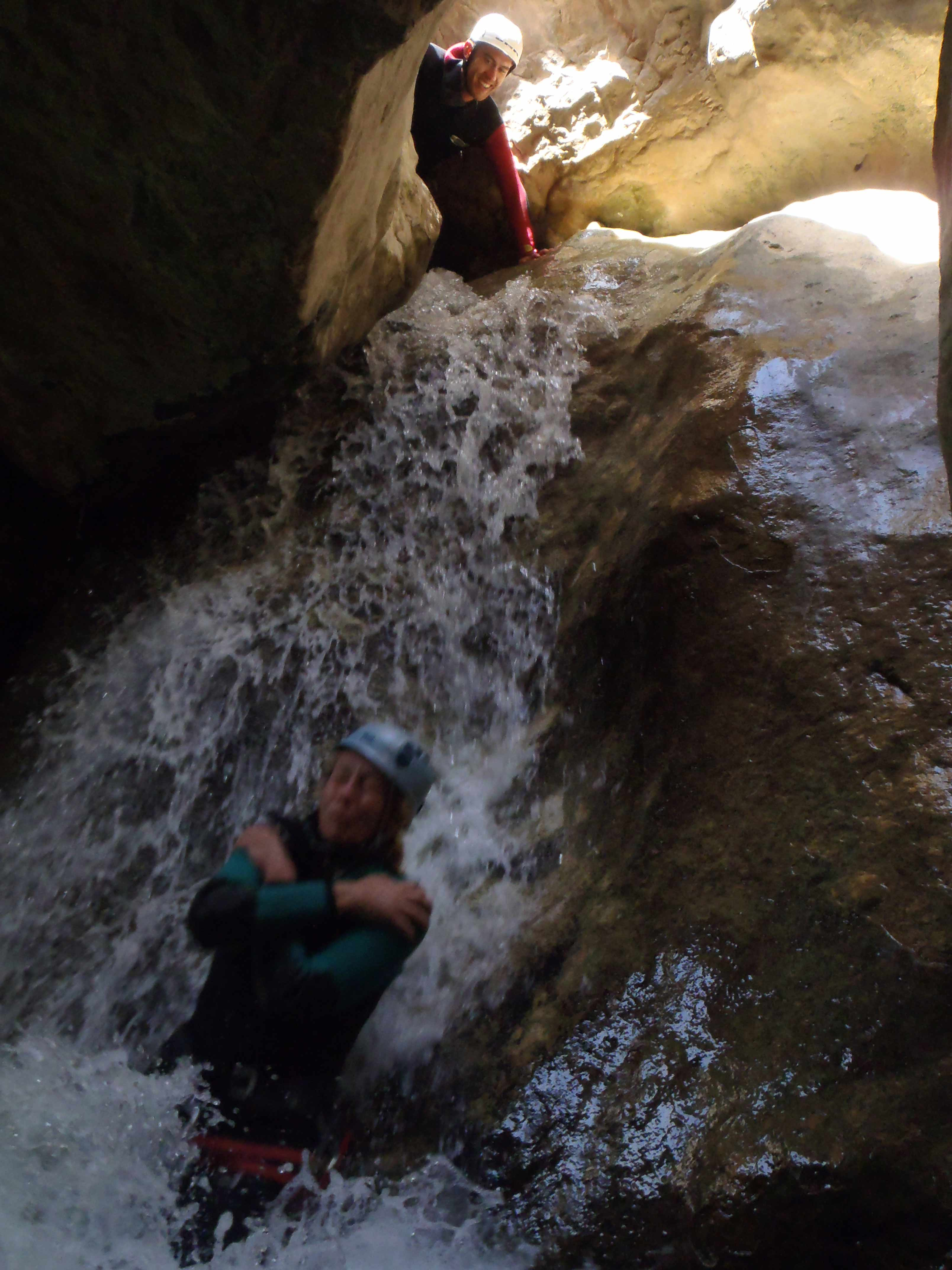 canyon,canyoning,canyonisme,séjour,haute-savoie,alpes maritimes,sierra de guara ,espagne,toboggan,vacance,saut